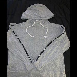 Outfit: PINK grey hoodie & Victoria Sport legging